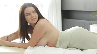 Brunette Shelia Gets a Big Load Of Cum
