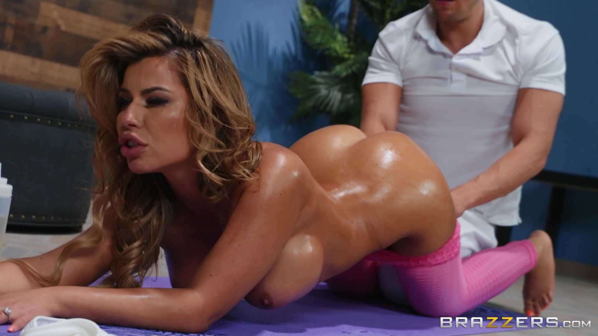 OiledNina Milano spreads her legs for a penis on the massage table